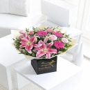 PINK RADIANCE HAND-TIED WITH CHOCOLATES