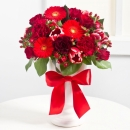 Elegant Bouquet in Red colours